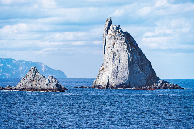 「飛鳥Ⅱ」 雄大な島風景と美味を堪能、これぞ冬クルーズ