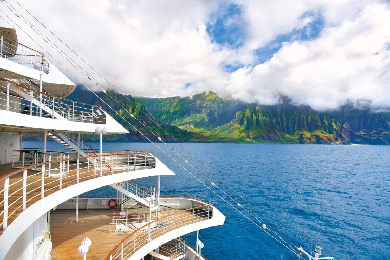 ハワイ・アラスカグランドクルーズ 「飛鳥Ⅱ」が見せるありのままの大自然