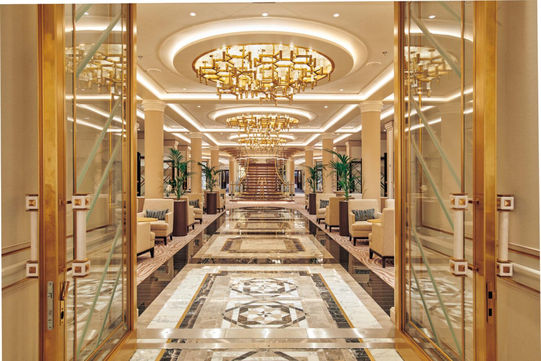 誰をも魅了する、至極の洋上宮殿「セブンシーズ・スプレンダー」